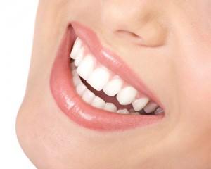 Les bons conseils de Julien : blanchir les dents pour un beau sourire