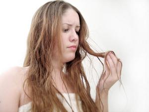Cheveux : protéger et réparer après les vacances…