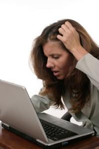 Euh... je commente et j'écris un long mail avec mes coordonnées et trois réponses, c'est ça ? ;-)