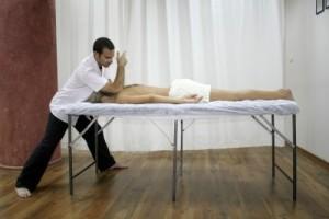 Une bonne posture pour le masseur...