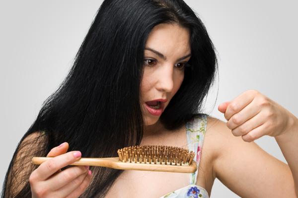 Qui a guéri les cheveux de la chute et que