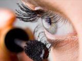 Analysez toujours la composition de votre mascara !