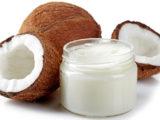 L'huile de coco est solide car bourrée d'acides gras saturés